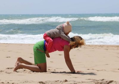 Yogamastazz in Portugal am Strand