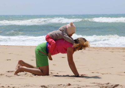 Yogamastazz in Portugal am Strand